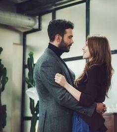 Baris Arduc and Elcin Sangu Turkish Men, Turkish Beauty, Turkish Actors, Romantic Couples, Cute Couples, Famous In Love, The Best Series Ever, Korean Girl Fashion, Elcin Sangu