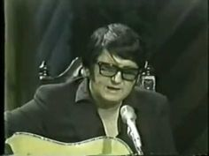 Roy Orbison - Pretty Paper (1970). If I had to pick a Christmas song...