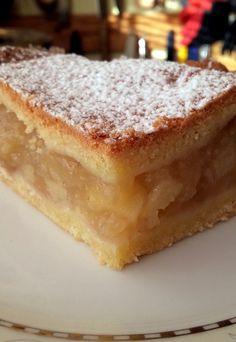 Takie tam moje pomysły: Szarlotka krucho-drożdżowa II Polish Desserts, Polish Recipes, Antipasto Skewers, Bosnian Recipes, Mini Pies, Apple Cake, Food Cakes, Cake Recipes, Sweet Tooth