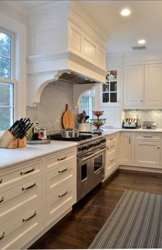 Popular And Creative Kitchen Cabinet Color Ideas 28