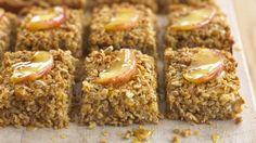 40 easy tray bake recipes - Apple and cinnamon flapjacks - goodtoknow Apple Recipes, Sweet Recipes, Vegan Recipes, Snack Recipes, Dessert Recipes, Baking Recipes Uk, Uk Recipes, Easy Recipes, Recipes