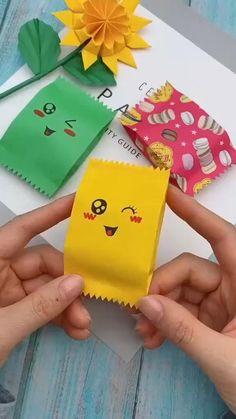 Cool Paper Crafts, Paper Crafts Origami, Diy Crafts For Gifts, Origami Art, Diy Arts And Crafts, Creative Crafts, Crafts For Kids, Kids Diy, Paper Flowers Craft