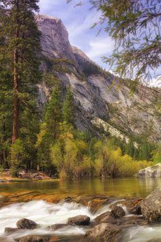 Scene at Mirror Lake, Yosemite National Park.  Photo: Vincent James via 500 px