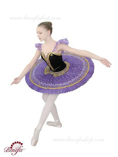Stage costume - F 0075C USD 600 - for adults