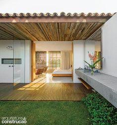 Revista Arquitetura e Construção - Casa de praia na Bahia tem paisagem de tirar o fôlego