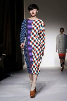 Basso and Brooke RTW Fall 2012.. Styled differently but like the unique look