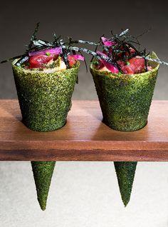 José Avillez, il rinnovatore della cucina portoghese | Mini Bar - Tuna tartar temaki cone | foto Paulo Barata