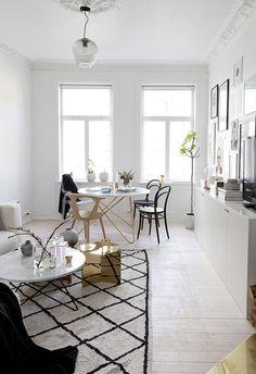 På kun 5 uger gav Ema og kæresten alle rum i lejligheden en makeover Minimalist Scandinavian, Minimalist Living, Scandinavian Interior, Rooms Ideas, Apartment Makeover, Small Apartments, Interiores Design, Small Living, Living Room Decor