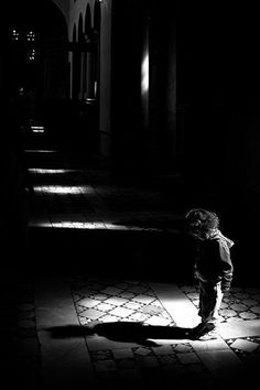 ☾ Midnight Dreams ☽ dreamy dramatic black and white photography - my shadow Foto Picture, Photo D Art, Urbane Fotografie, Street Photography, Art Photography, Shadow Photography, People Photography, Shadow Silhouette, Photocollage