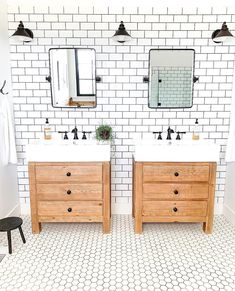 Name That Tile: Homeowners Guide to Identifying Shower Tile Bathroom Renos, Bathroom Interior, Modern Bathroom, Small Bathroom, Master Bathroom, Bathroom Ideas, Bathroom Inspo, Washroom, Bathroom Cabinets