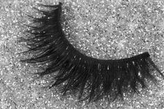 Starlet lashes perfect your New Years Eve party! #houseoflashes http://houseoflashes.com/products/starlet-3pk
