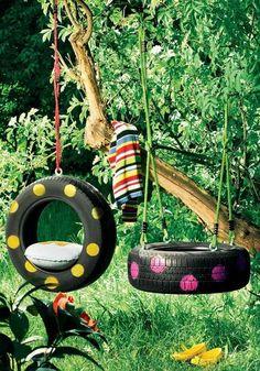 Reutilizar pneus para fazer baloiços. A pequenada vai adorar!  Veja mais em http://www.comofazer.org