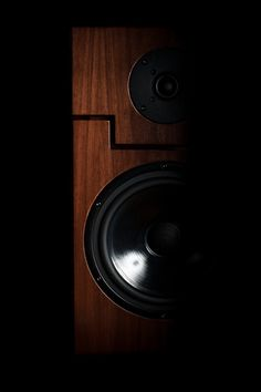 About Vintage audio gear and audiophile vinyl records. High End Speakers, Audio Design, Loudspeaker, Audiophile, Vinyl Records, Door Handles, Pure Products, Vintage, Board