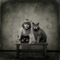 Photography: Little Girl and the Cat « eMORFES