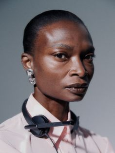 Nagi Sakai for Vogue Spain with Debra Shaw   Fashion Editorials Body Proportions, Vogue Spain, Business Photos, Office Looks, Fashion Stylist, Fashion Pictures, Minimalist Fashion, Editorial Fashion, Fashion Photography