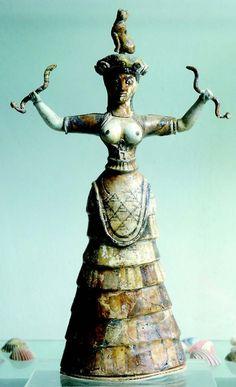 Minoan Snake Goddess Heraklion Archaeological Museum