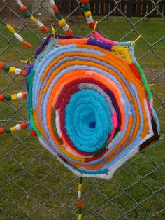 I'm a teacher, get me OUTSIDE here!: Fence Art - The Creativity Continues