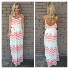 Very pretty Cream & Coral Chevron Maxi dress.....but the top looks like they ran out of fabric.......it shows too much :x