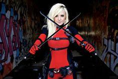Lady Deadpool Cosplay by Jessica Nigri Deadpool Cosplay, Lady Deadpool, Superhero Cosplay, Marvel Cosplay, Female Deadpool, Amazing Cosplay, Best Cosplay, Female Cosplay, Geisha