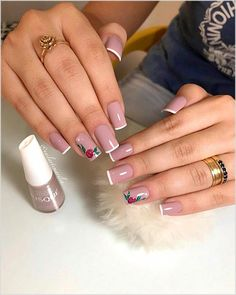 Best makeup tips if you are over forties. You have to do some fixes to maintain your face beautiful and cute. Cute Acrylic Nails, Acrylic Nail Designs, Cute Nails, Nail Art Designs, Nail Manicure, Pedicure, Gel Nails, Manicures, Makeup Brands