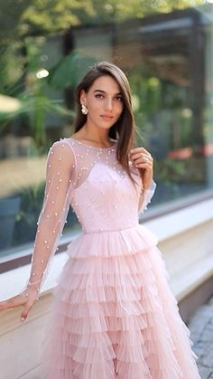 Elegant White Dress, Elegant Dresses, Elegant Gown, Civil Wedding Dresses, Simple Pakistani Dresses, Girls Frock Design, Pretty Prom Dresses, Designer Party Wear Dresses, Stylish Dresses For Girls
