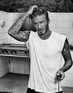 48 Super Ideas For Haircut Men David Beckham Tattoos Style David Beckham, David Beckham Tattoos, David Beckham Football, Beckham Hair, Trendy Mens Haircuts, Short Haircuts, Victoria And David, Charming Man, Outfit Grid