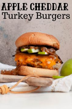 Colder weather isn't so bad when it means food this good. Whip up these Fall Apple Turkey Burgers for a meal that uses all of the delicious flavors of the season! Best Turkey Burgers, Turkey Burger Recipes, Fall Recipes, Real Food Recipes, Cooking Recipes, Dinner Recipes, Healthy Recipes, Chicken Recipes, Healthy Dishes
