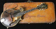 Gibson-Bill-Monroe-F-5-mandolin