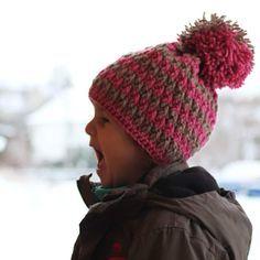 Na stránkách Prošikulky.cz najdete spoustu návodů na pletené, háškované a šité výrobky. Jako například tento návod zdarma na háčkovanou dětskou čepici. Knit Beanie Hat, Beanies, Crochet Baby Hats, Headpiece, Crochet Projects, Free Pattern, Crochet Patterns, Winter Hats, Cap