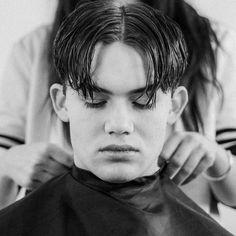 Men's Hair Haircuts Fade Haircuts short medium long buzzed side part Boys Long Hairstyles, Funky Hairstyles, Cool Haircuts, Haircuts For Men, Formal Hairstyles, Wedding Hairstyles, Short Hair With Bangs, Short Hair Cuts, Short Hair Styles