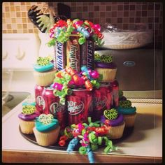 Super easy birthday cake that's a great hit.  Cute idea for Toni only Rootbeer.