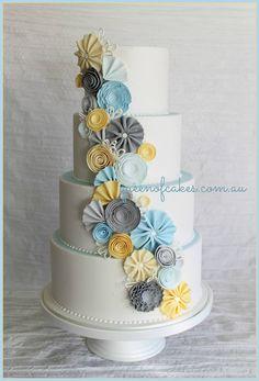 New wedding cakes blue yellow gray Ideas Neue Hochzeitstorten blau gelb grau Ideen This image has get Fondant Wedding Cakes, Fall Wedding Cakes, Beautiful Wedding Cakes, Gorgeous Cakes, Pretty Cakes, Fondant Cakes, Amazing Cakes, Cupcake Cakes, Blue Cakes