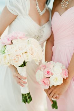White + pink, Mexico wedding by Laura Ivanova Photography