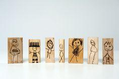 Voor vaderdag of moederdag! Kindertekening op hout. Mooi als decoratie