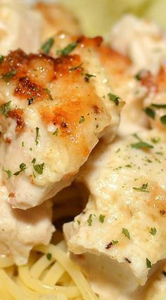 Melt In Your Mouth Chicken Bake. Melt in your Mouth Chicken Bake. A flavorful chicken dish that will be a new family favorite! Only a few ingredients needed, most of which you may already have on hand! Chicken Flavors, Easy Chicken Recipes, Recipe Chicken, Chicken Cake, Easy Chicken Dishes, Baked Chicken Breastrecipes, Roasted Chicken, Chicken Salad, Chicke Recipes