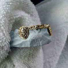 6B 10k yellow gold diamond cut fangs plus front bar  MOBILE IN RICHMOND VA… OUT OF TOWN CLIENTS CONTACT ME ON THE INFO BELOW ---------------------- TXT 804.519.6479 EMAIL DIAMONDLYFEINC@GMAIL.COM #DIAMONDLYFE #GRILLZONWHEELZ #JOHNNYDANG  #GRILLZ #GOLDTEETH #RVA #804 #RICHMOND