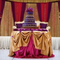 The most perfect 3 tiered wedding cake at this Sikh wedding!
