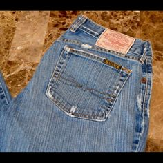 "Vintage Lucky Brand Dream Jean 34.5"" inseam Vintage Lucky Brand Jeans Dream Jean Size 6 / 28 Excellent Condition for Vintage Flare Leg Approximate 34.5"" inseam and 7"" rise Item Location Bin T2 Lucky Brand Jeans Boot Cut"