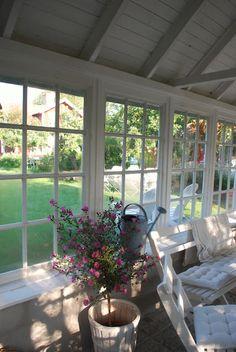 bringing nature in....love the windows!