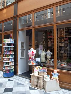 french vintage craft supplies store in paris - my dream Haberdashery Shop, Sewing Room Decor, Yarn Store, Layout, Shop Window Displays, Living At Home, Vintage Crafts, Interior Exterior, Store Fronts