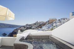 Jacuzzi in Santorini