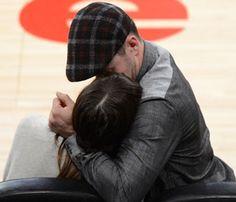 Timberlake-Biel: Δημόσια φιλιά!