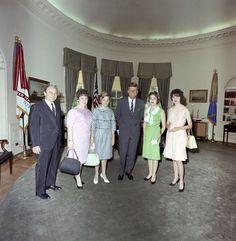 1963. 18 Juin. By Cecil W. STOUGHTON. ST-C216-2-63. President John F. Kennedy…
