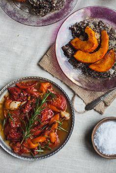 roasted kabocha squash over creamy cashew quinoa with smokey tomatoes   recipe via will frolic for food (vegan, gluten free)