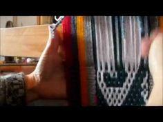 Ojo de guanaco, Ñe luan, Telar Mapuche Parte 1 - YouTube Card Weaving, Tablet Weaving, Textiles, Loom, Diy And Crafts, Tapestry, Youtube, Base, Closure Weave