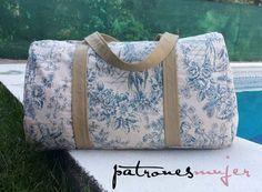 bag-pattern and tutorial Fabric Bags, Cute Bags, Duffel Bag, Tote Purse, Diy Purse, Handmade Bags, My Bags, Travel Bag, Bag Making