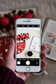 Nevíte, čím o Vánocích obdarovat své blízké? Pokud mají rádi kávu, poradím vám pár tipů na dárky, které je pod stromečkem určitě potěší! Aesthetic Vintage, Blackberry, Iphone, Blackberries, Rich Brunette