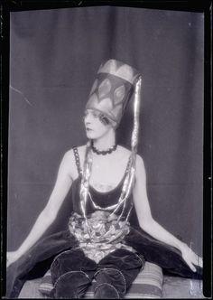 Man Ray -Nancy Cunard, vers 1924