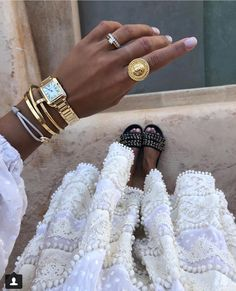 Delicate gold jewellery looks stunning with a tan Simple Jewelry, Cute Jewelry, Gold Jewelry, Women Jewelry, Summer Jewelry, Trendy Jewelry, Jewelry Trends, Jewelry Accessories, Fashion Accessories