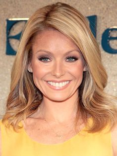 Kelly Ripa. So cute, funny and perfect in every possible way :)